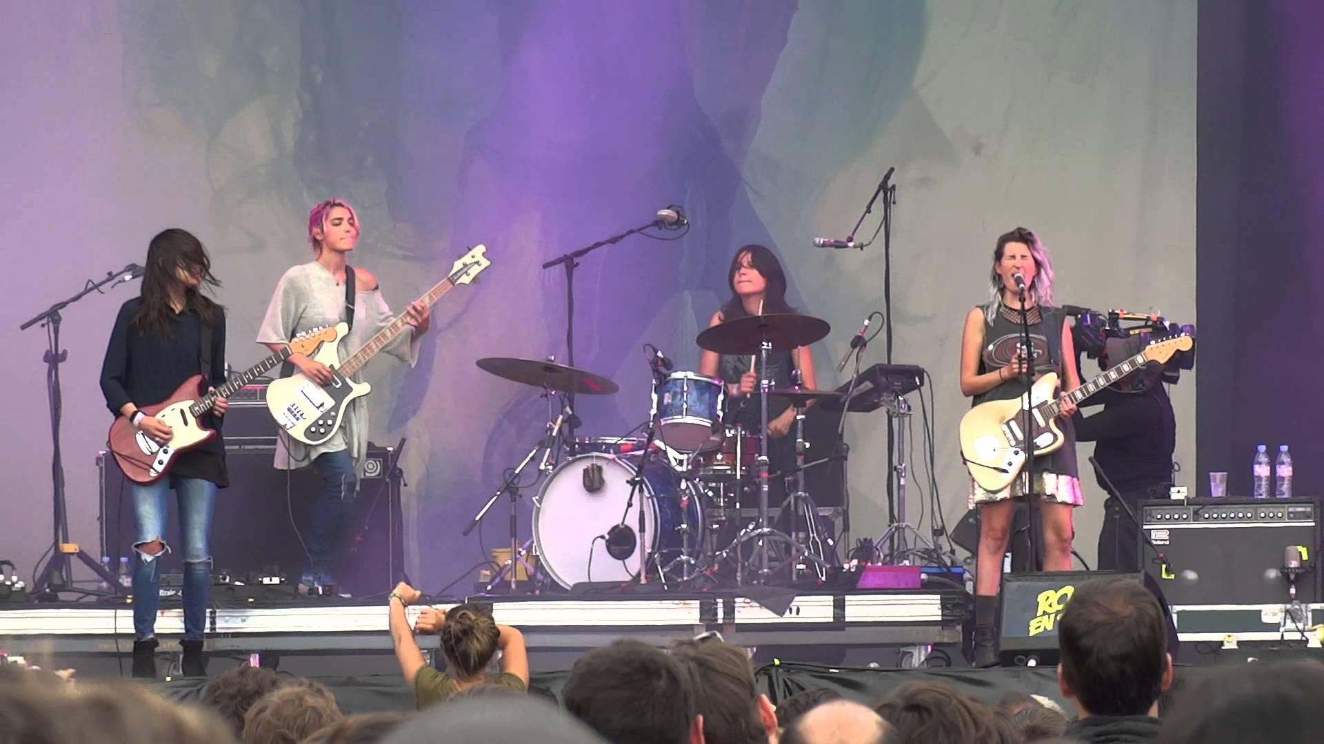 Groupe de rock 2 suce